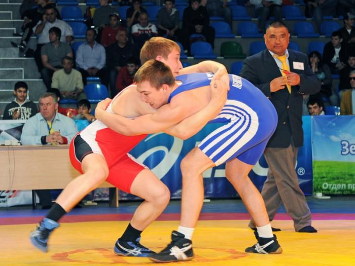 Бренд VITEK в очередной раз поддержал спортсменов международного турнира по греко-римской борьбе